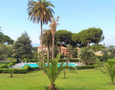 Beautiful Bilo with shared pool in Nervi